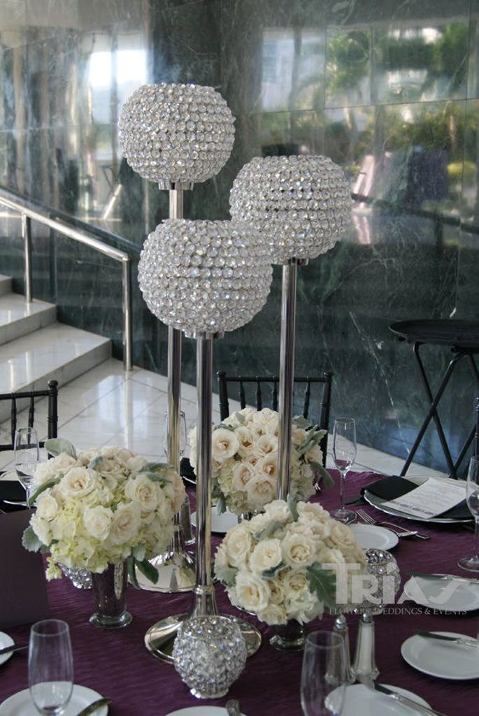Trias Flowers & Gifts Miami Wedding Salon Bridal Show Table Setting 1